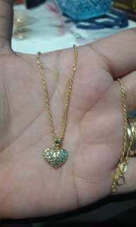 18k saudi gold necklace 18 inches...
