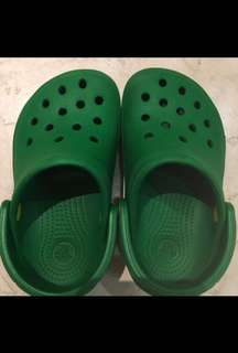 Almost New (wore once) Crocs Kids Sandals (Green)