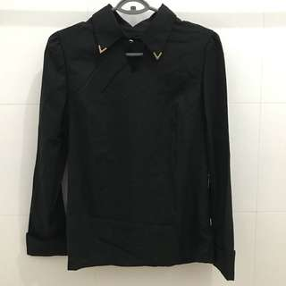black top with collar corners