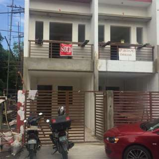 House and Lot (Townhouse in Tandang Sora)