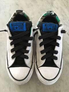 Converse Kid Shoes - Size US 1