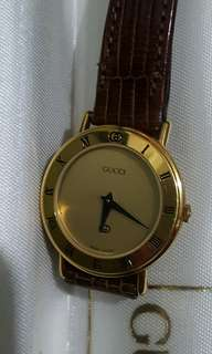 Original Gucci gold and leather vintage watch (repriced)