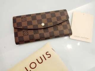 Lv wallet 😍 superb