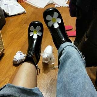 🚚 unif 款 小花靴