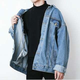 Oversize denim jacket 中藍牛仔外套