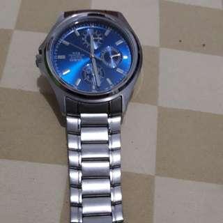 Jam tangan merk CASIO