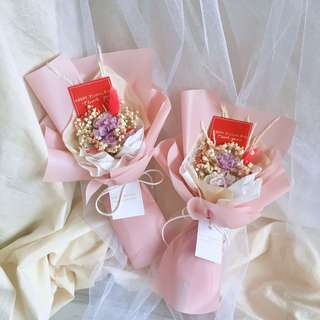 SUE HANDMADE💕母親節限定款💕不凋永生康乃馨花束 母親節乾燥花花束預購中