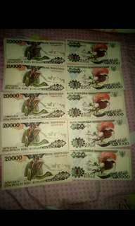 Uang 20.000