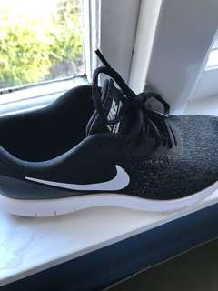 Nike woman's shoes US 8