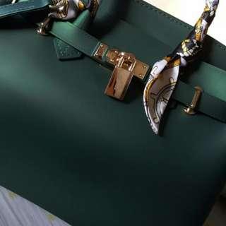 Beachkin Matte Bag