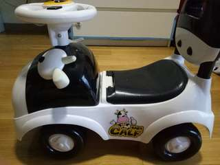 Preloved cow baby push car