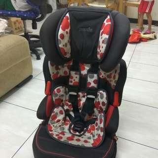 納尼亞兒童安全椅