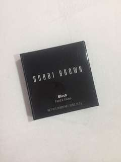 Bobbi Brown blush in Apricot 6