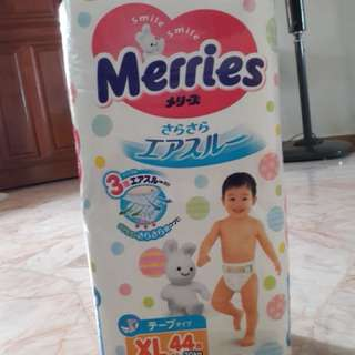 XL merries tape diapers