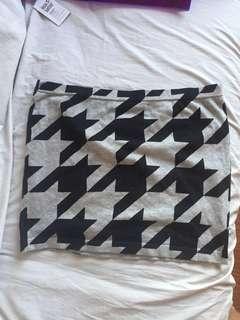 Forever 21 Gray Houndstooth Mini Skirt (Size L; Waist 30-31)