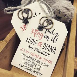 Wedding engagement invitation card with envelope metal ring charm