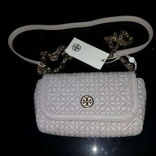 ✔️ TORY BURCH Quilted Small Cross-Body Bag for Women (Gray)