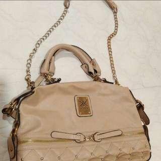 KIM KARDASHIAN Handbag #letgo4raya