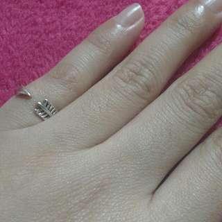 💍 Arrow Ring Adjustable