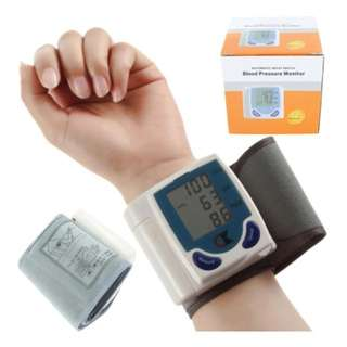 wrist type blood Pressure Device Easy 1 step