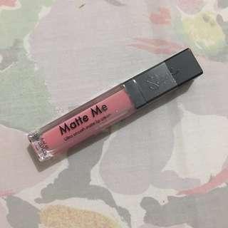 Sleek 'Matte Me' Liquid Lipstick in PETAL