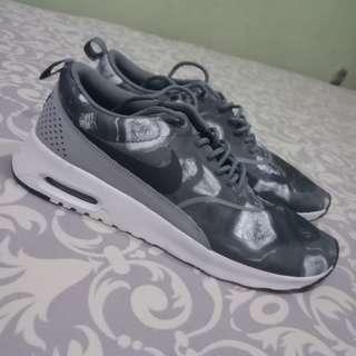 Nike women's air max thea