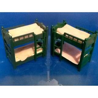 SYLVANIAN FAMILIES RARE VINTAGE GREEN BUNKBEDS with REMOVABLE MATTRESS (Sold as Set of 2)