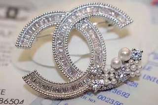 Chanel 1:1 Brooch