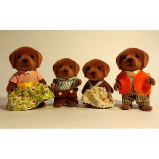 SYLVANIAN FAMILIES UK Version CHOCOLATE LABRADOR Family (Set of 4)