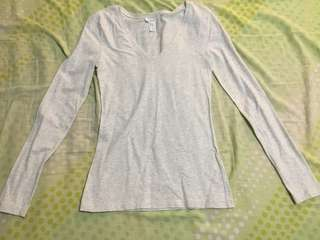 CLEAN UP SALE!!! F21 Long Sleeves, V-neck