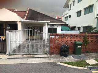 Single story 3,455 sqft semi-d house for rent from 1st May