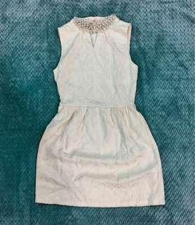 Jacquard dress with pearl collar
