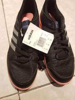 ORIGINAL ADIDAS SHOES available in diff sizes
