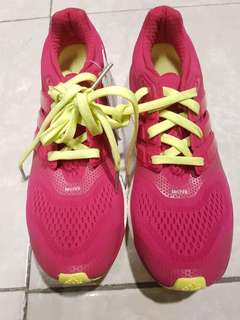 ORIGINAL ADIDAS SHOES available in different sizes