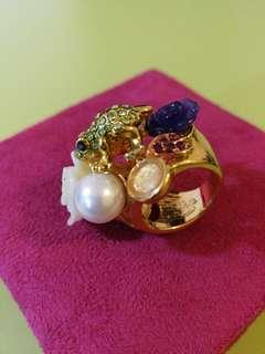 Fancy bling bling frog flower ring 閃閃花花青蛙戒指