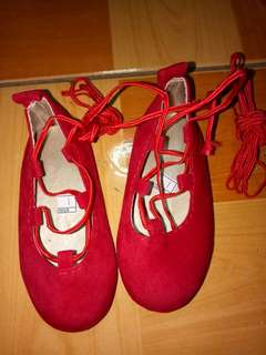 Brandnew lace up shoes (red)size 12 months