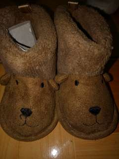 Brandnew brown boots fits 6-12 months