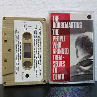 Cassette》The HouseMartins - The People Who Grinned Themselves To Death