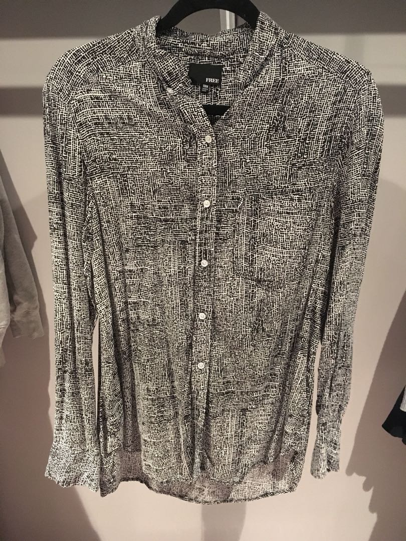 Aritzia Wilfred free pattern dotted button down longsleeve shirt