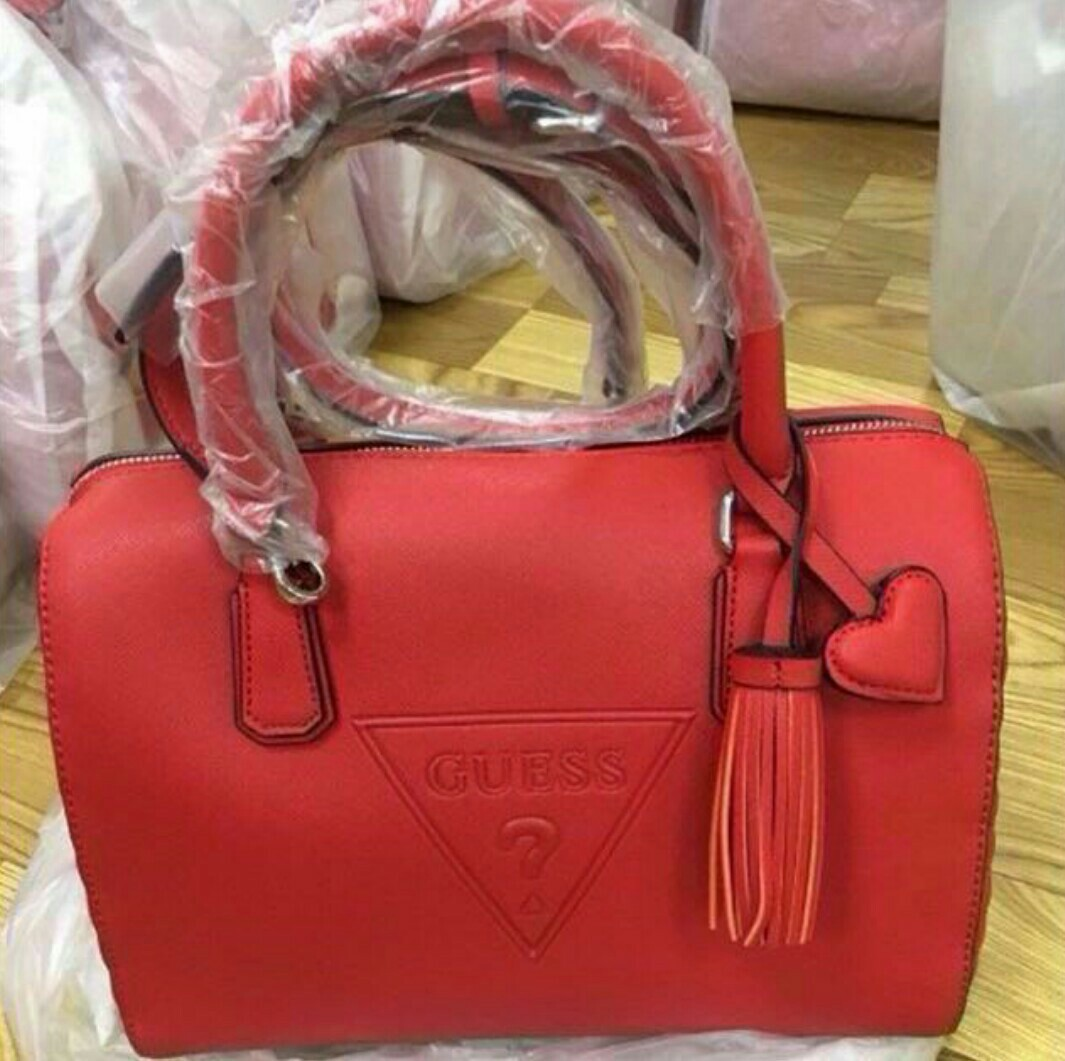 46ec887be61 💯Authentic Guess Baldwinpark Speedy Box Handbag  nogstday