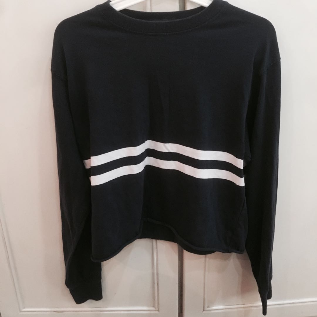 3b4e34526e5 BN brandy Melville navy blue and white center striped acacia Long sleeve  TOP authentic bm, Women's Fashion, Clothes, Tops on Carousell