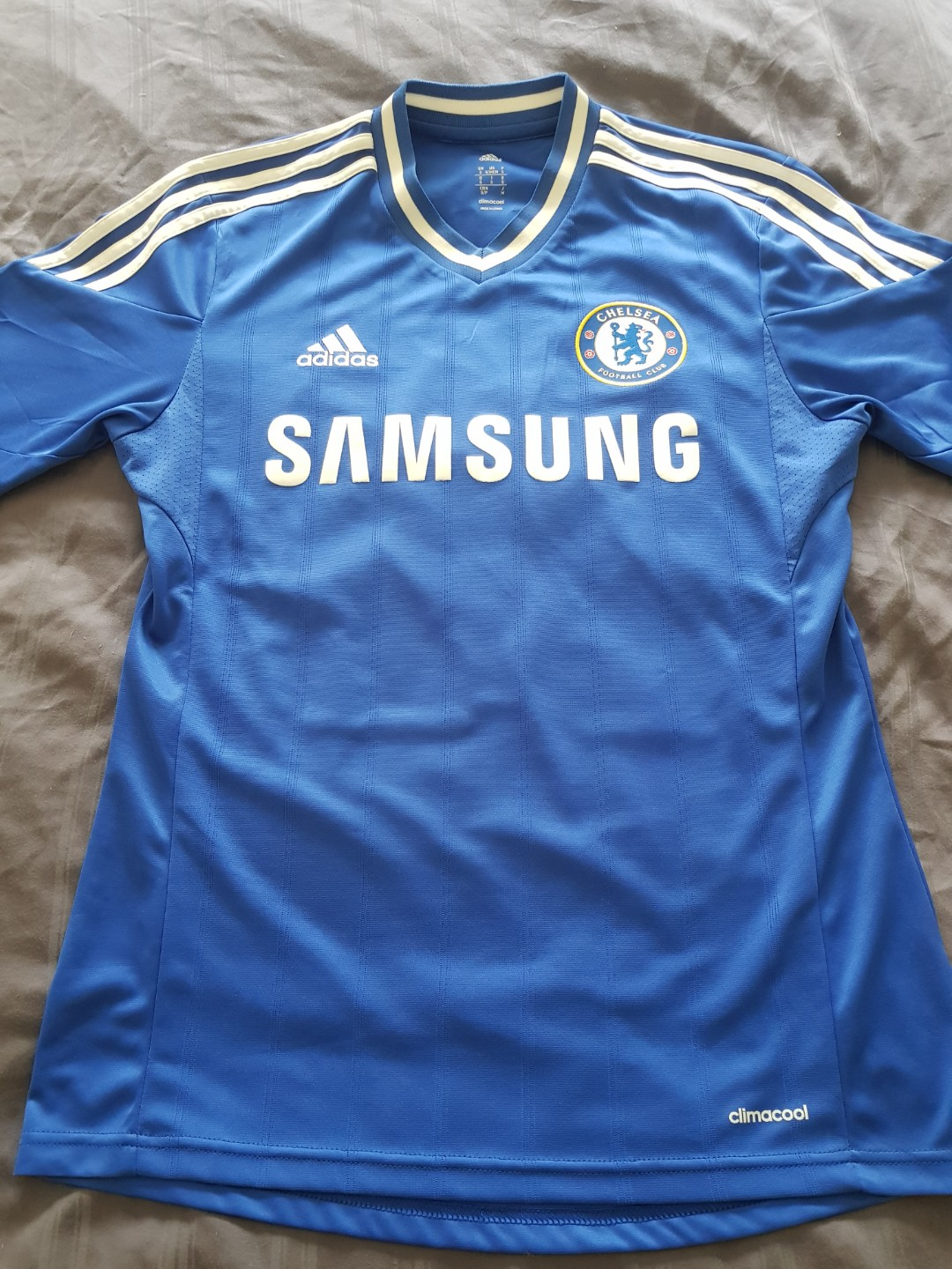e0cf9b77e63 Chelsea 13 14 jersey with Willian nameset (Authentic)