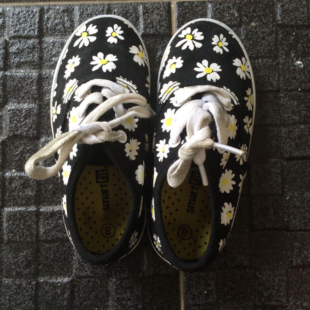 b5185fd719c Girls Daisy Shoe merk SmartFit by Payless
