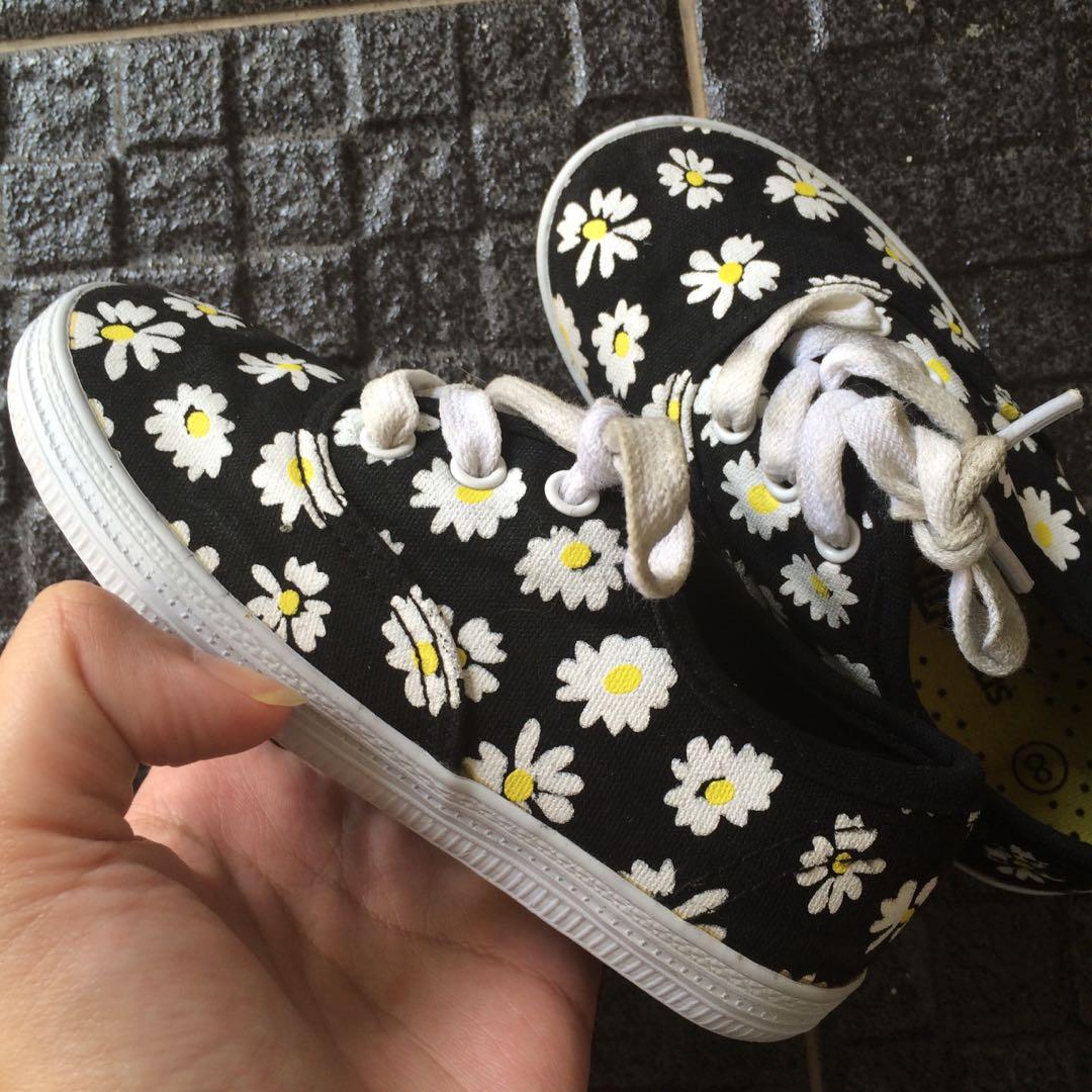 6e9157d54265 Girls Daisy Shoe merk SmartFit by Payless