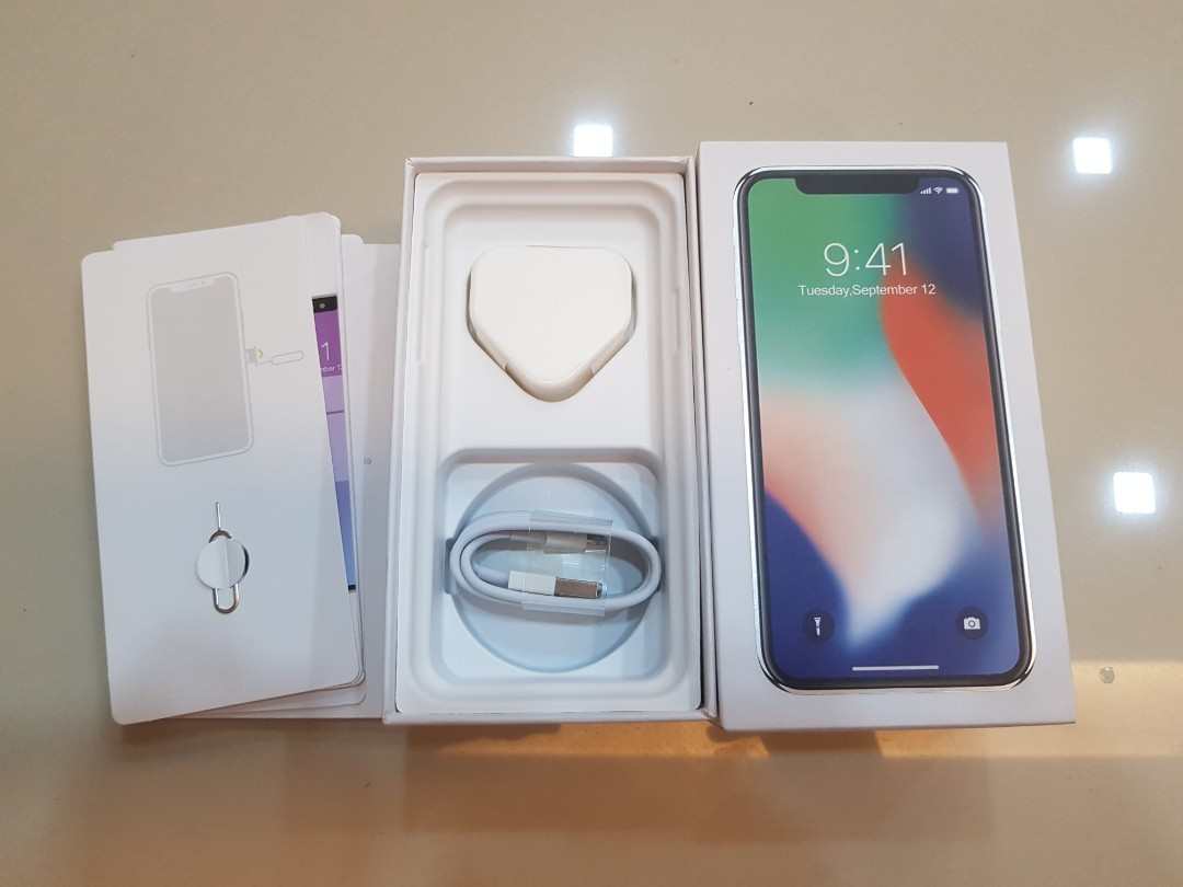 (NEW)IPHONE X BOX & ACCESSORIES