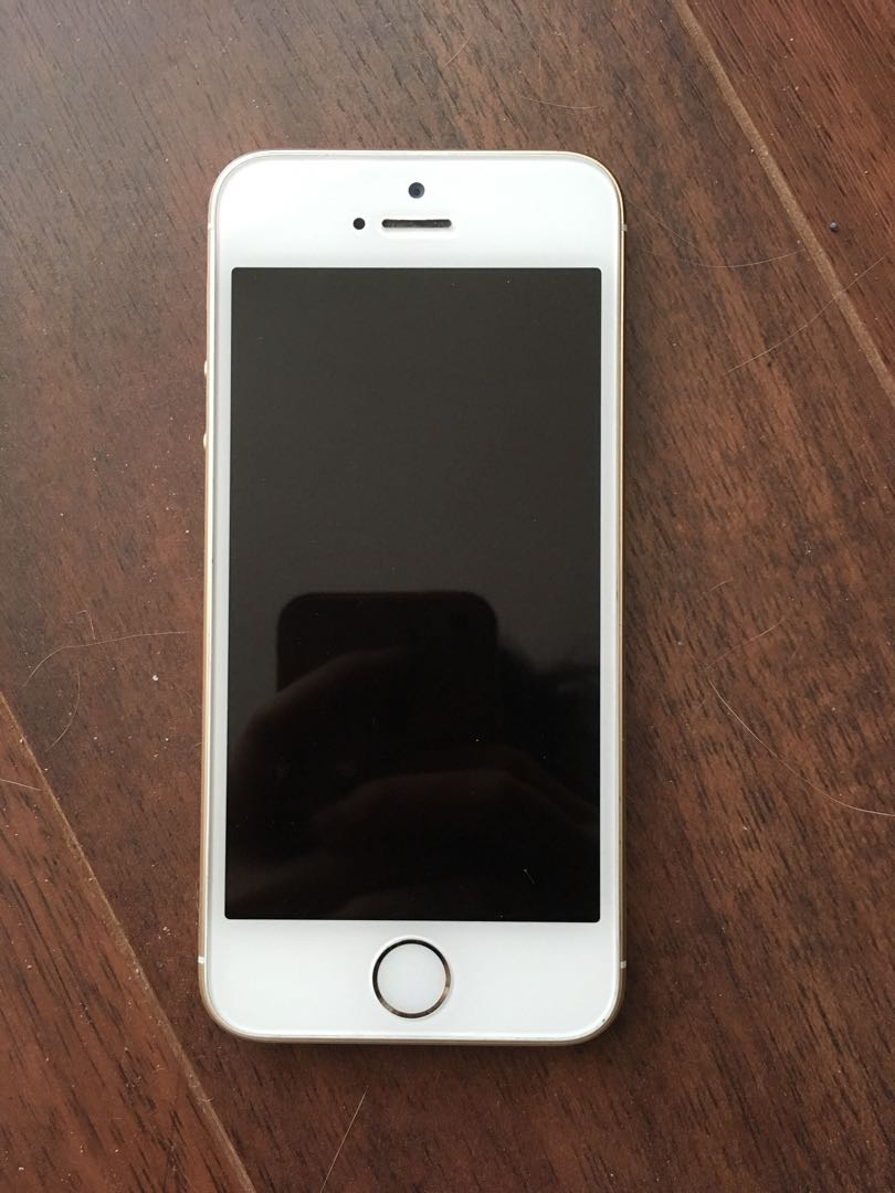 MINT IPHONE SE 64 GB GOLD UNLOCKED