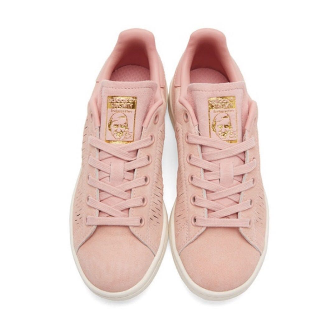 sneakers for cheap 757b6 3dc7f PRE-LOVED Adidas Originals Haze Coral Stan Smith Trainers, Women s Fashion,  Shoes on Carousell