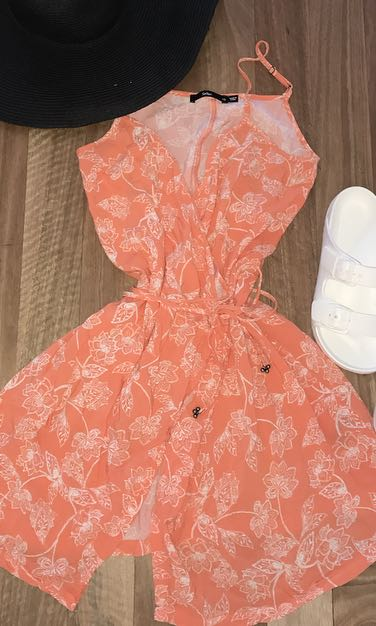 Sportsgirl orange floral wrap mini dress. Size 10