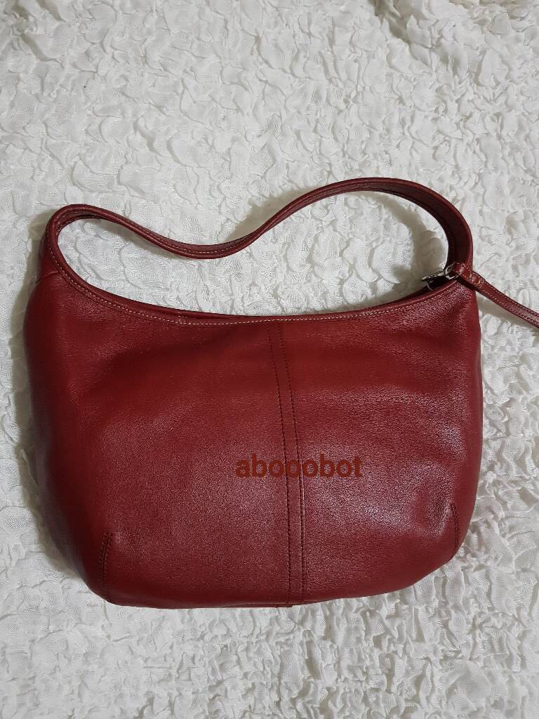0416f51efd VINTAGE COACH 9219 Solid Red leather Ergo Hobo