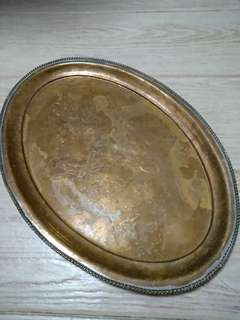 Metal tray/plate (oval)